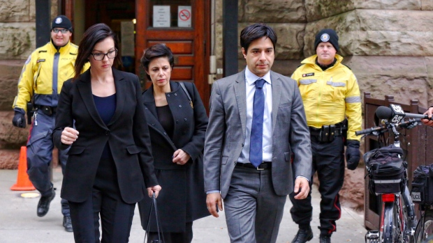 ghomeshi-and-legal-team-leave-court-on-feb-5